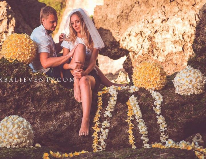 Romantic photo shoot with fresh Frangipani flowers scenery