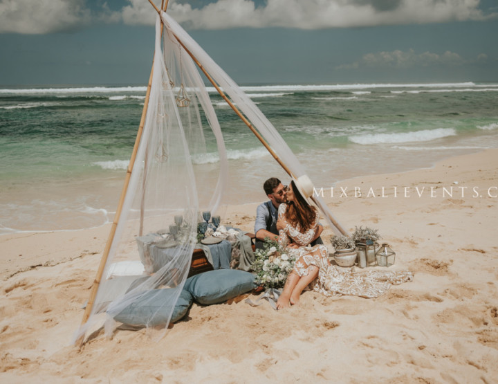 Stylish Oceanic Wedding in Vintage Bohemian style. Wedding in gray-blue shades. Anastasia and Alexander - in the MIX Bali Events.