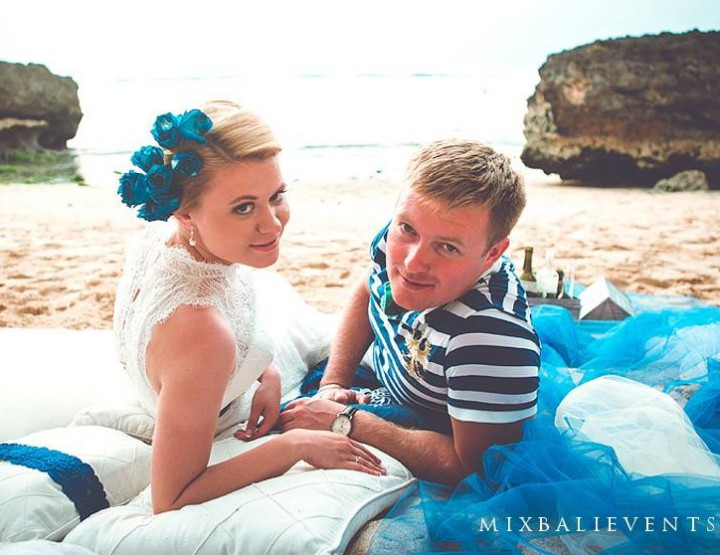 Romantic photo session in the Marine style - Catherine and Eugene