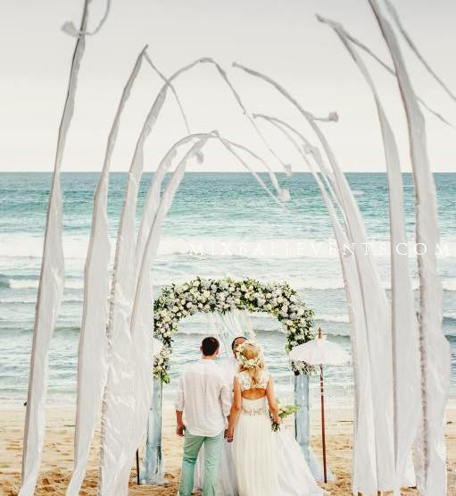 Wedding on the beach in Bali