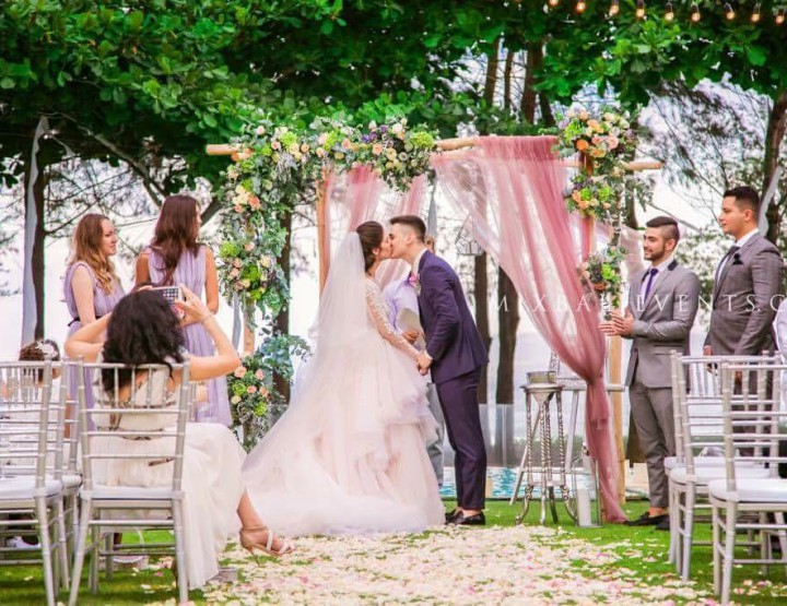 Trend of 2016 - Lavender wedding in a luxury villa by the ocean. Wedding with guests