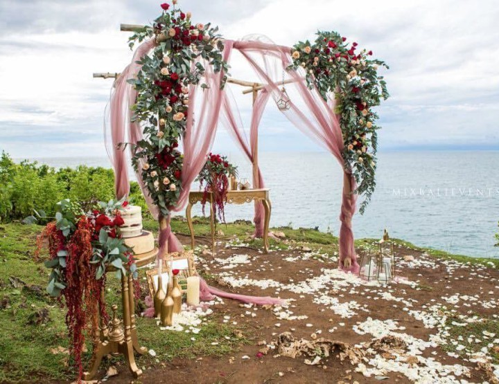 Marsala color Wedding on a cliff above the Ocean