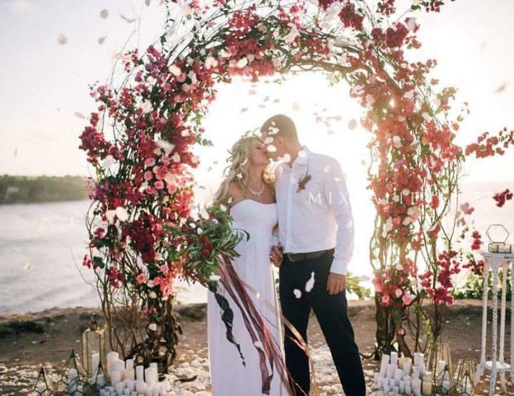 Marsala color Wedding on a cliff over the ocean