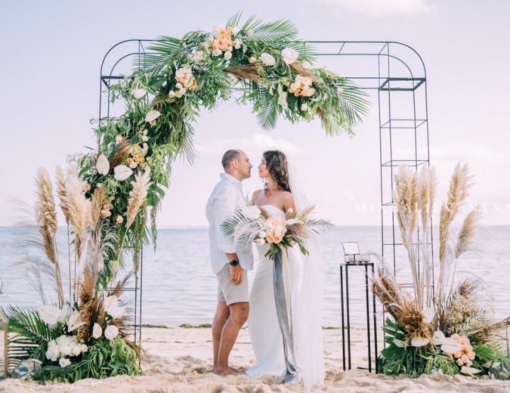 Stylish Tropical & Pampas Grass Wedding on the white sand beach