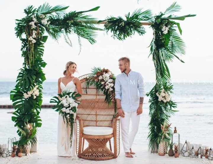 Stylish Tropical Wedding. Wedding at a luxurious Villa