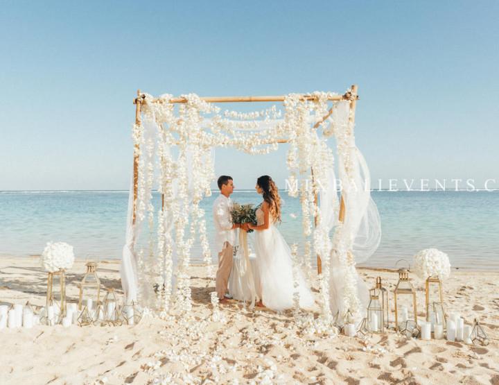 Stylish Wedding with Frangipani flowers