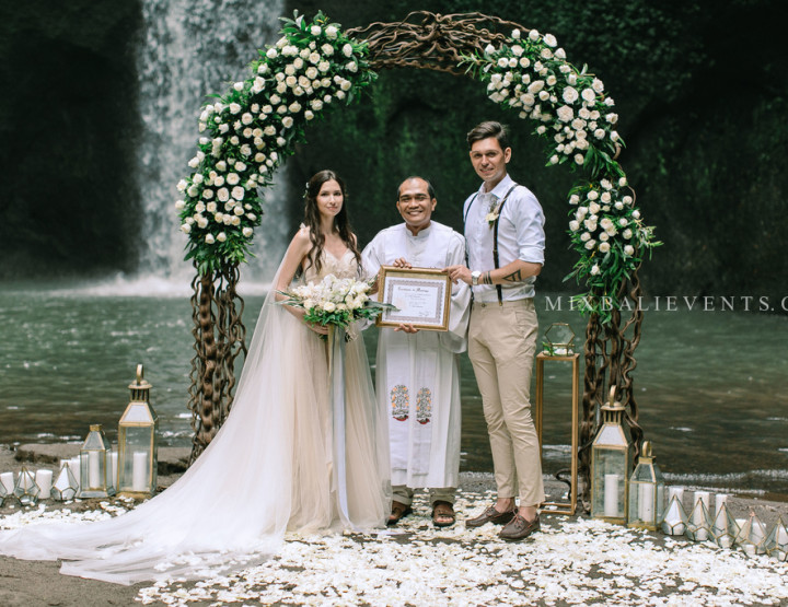 TOP 2019! Stylish Wedding on the Waterfall in the Tropical Jungle of Bali