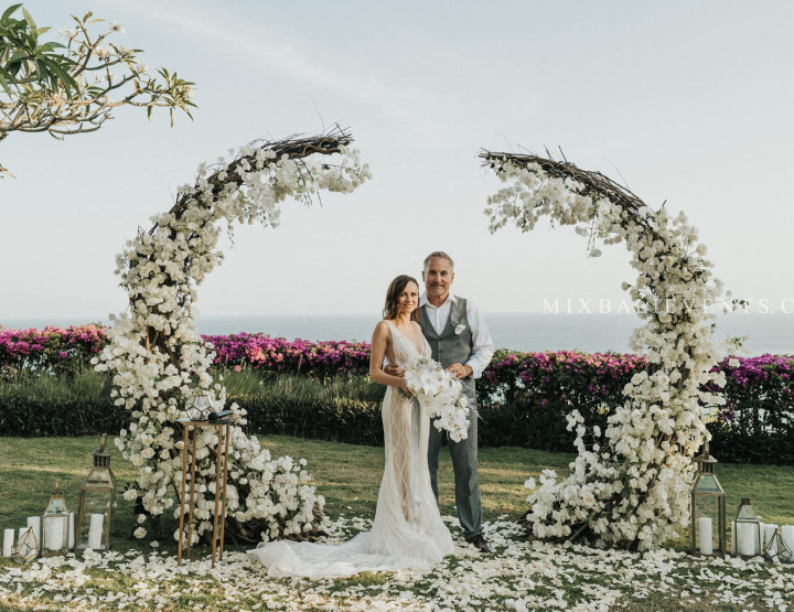 TOP 2019! Cotton & Coconut Shell Wedding - Stylish Wedding at a luxurious Villa above the Indian Ocean in Bali